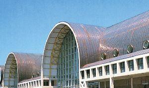 dach pokryty brązową patyną